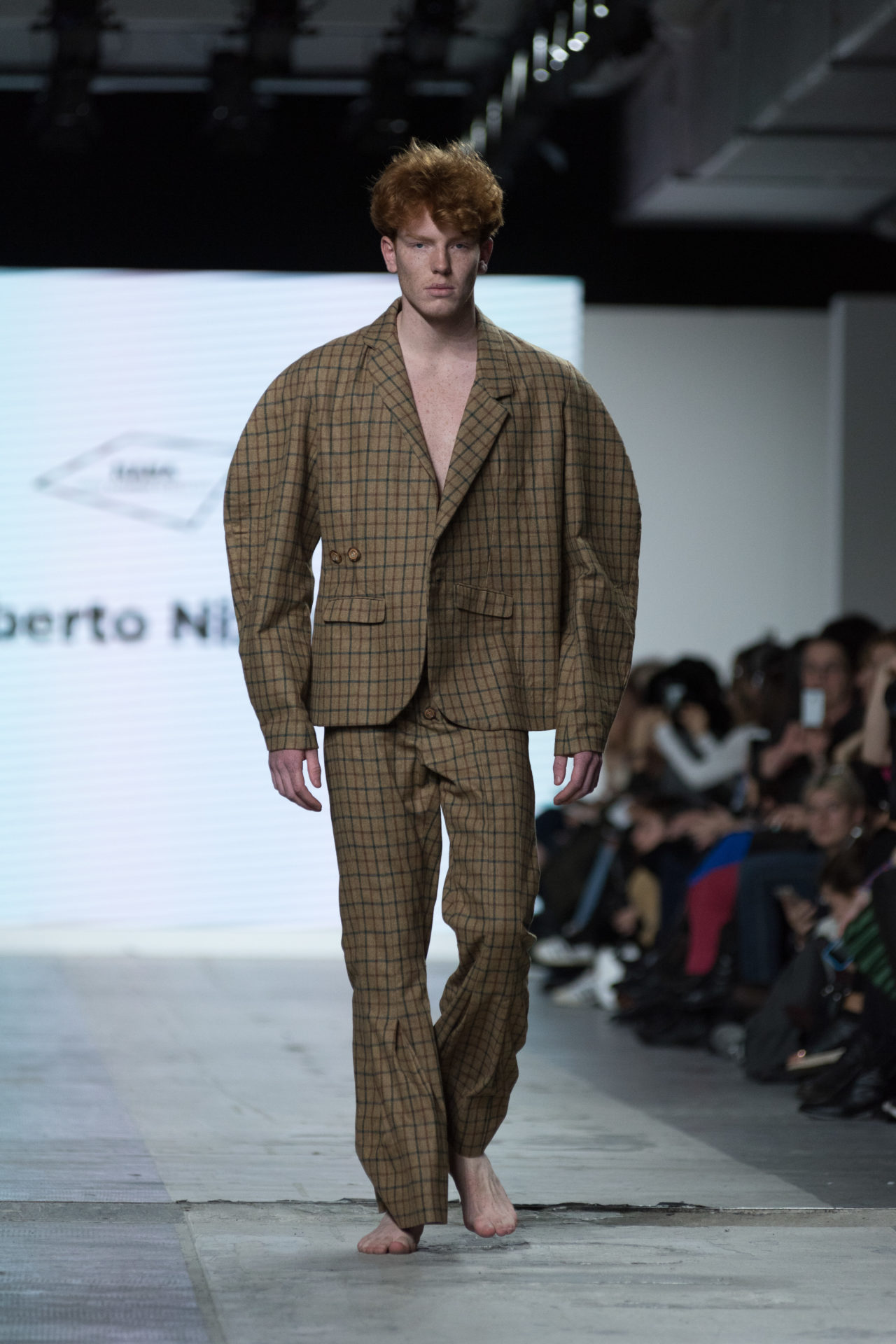 Fashion Designer: Roberto Nizzari - Fashion Graduate Italia Fashion Show - NABA